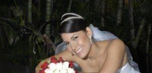Maquillaje para bodas profesional en Madrid. Maquillaje de novia en Madrid Villaverde. Pruebas de maquillaje y estética para novios. Consulta gratis.